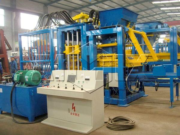 QT4-15 оборудование для производства кирпича